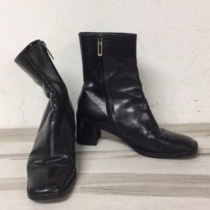 Gucci Black Leather Zipper Square Toe Bootie 7.5